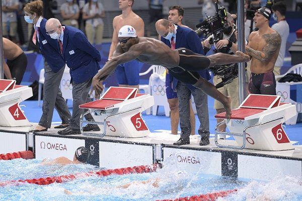Maxime Grousset, Florent Manaudou, Clement Mignon and Mehdy Metella au relais 4x100 m à Tokyo 2021