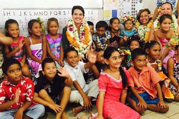 La ministre de l'Education nationale en visite à l'école de Fitii à Huahine