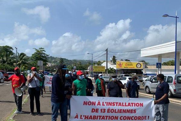 Manifestation contre implantation ferme éolienne