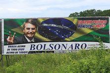 Plação de apoiadores de Jair Bolsonaro na marge da rodovia federal BR-343 no Piau