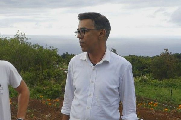 Younous Omarjee candidat campagne élections européennes exploitation de fleurs La Montagne saint-denis 050519