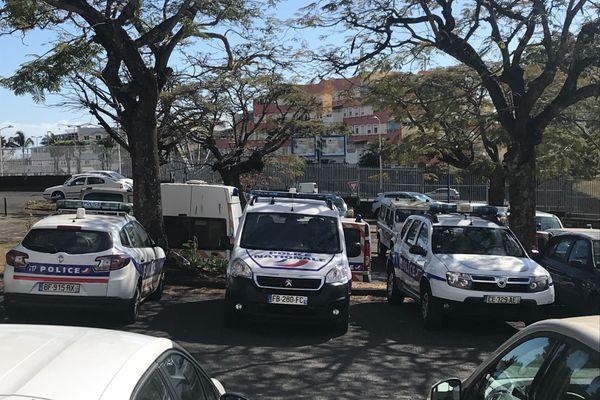 Parking du commissariat du Chaudron