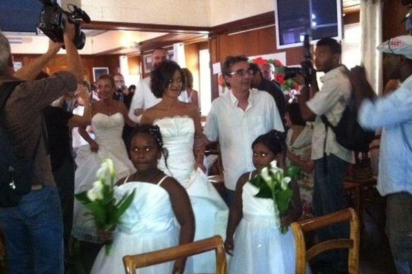 """Première union entre deux personnes de même sexe à La Réunion. Corinne et Laurence se sont dit """"Oui"""" à Saint-Paul..."""