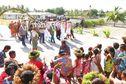 Tournée administrative aux Tuamotu : remise de clés à Katiu et de parcelles à Makemo