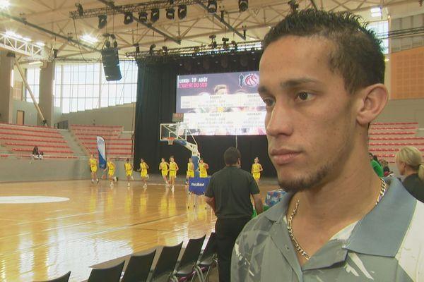 L'entraîneur des U17 cagous aux Oceania, Jo Delaunay-Belleville
