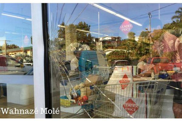 porte vitrée brisée