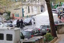 La police scientifique présente dimanche matin à Pantin sur les lieux du drame