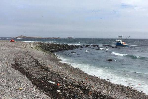 Le Arlene Adonna échoué sur l'île aux Marins