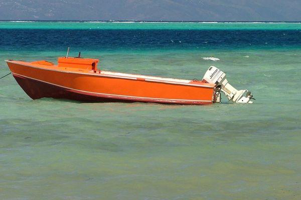 Huahine : leur poti marara en panne, deux personnes secourues grâce à la balise de détresse