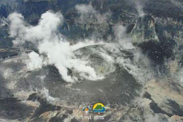 Saint-Vincent et les Grenadines, volcan la Soufrière