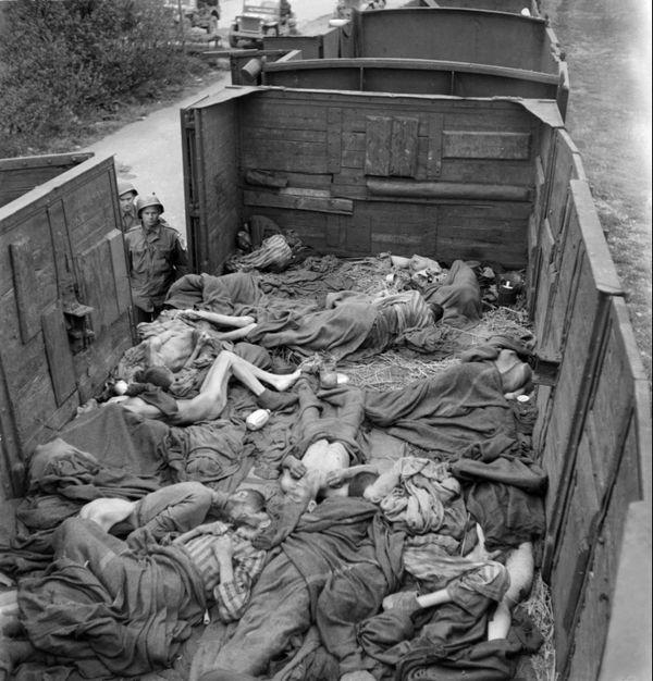 Dachau 1945
