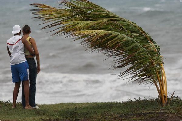 L'Ouest et le Sud de La Réunion en vigilance vagues-submersion dès lundi