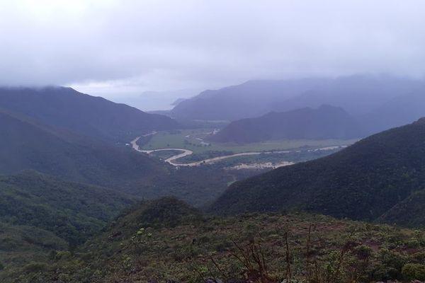 Vallée de Kua depuis le col de Poro