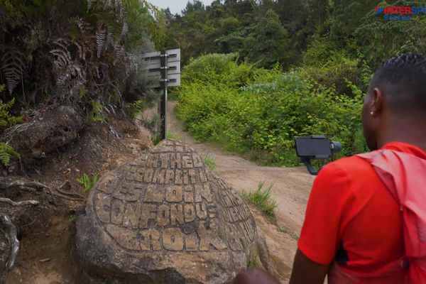 Dann santié 8 : sur la route du Dimitile