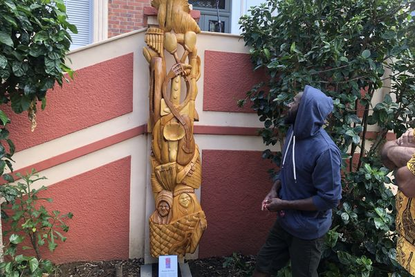 Le conservatoire de Nouméa a inauguré ce mercredi 23 juin la sculpture de Gaby Katé.