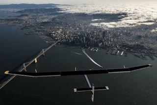 En 2015, Solar Impulse 2 va tenter un tour du monde