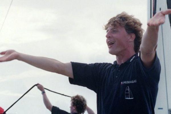 Laurent Bourgnon saluant la foule à Pointe-à-Pitre, en Guadeloupe, le 20 novembre 1994