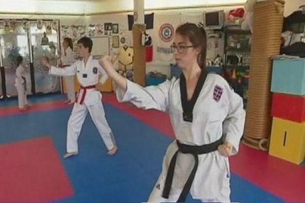 Léa Urdanabia, ceinture noire 2ème dan taekwondo