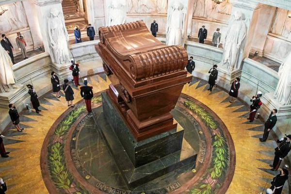 Hommage bicentenaire mort de Napoléon