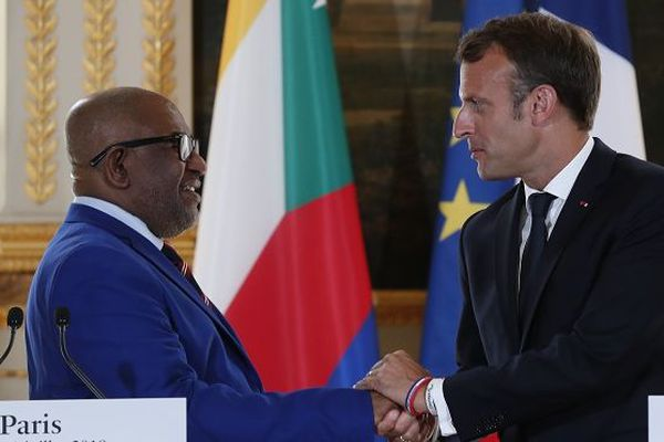 Série de condamnations d'un accord entre la France et les Comores