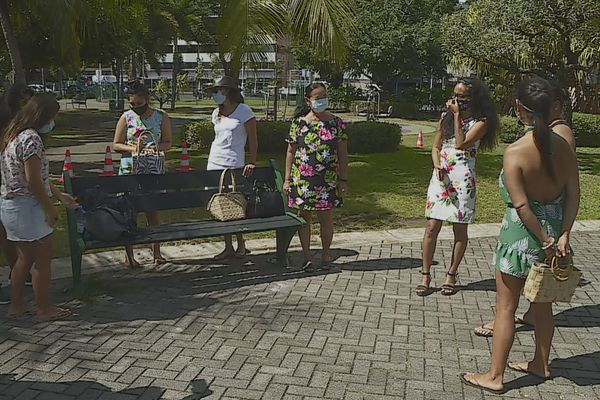 Pascuans bloqués à Tahiti