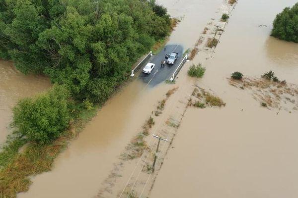 Inondations en Nouvelle-Zélande, automobilistes bloqués à Waikaka, 5 février 2020