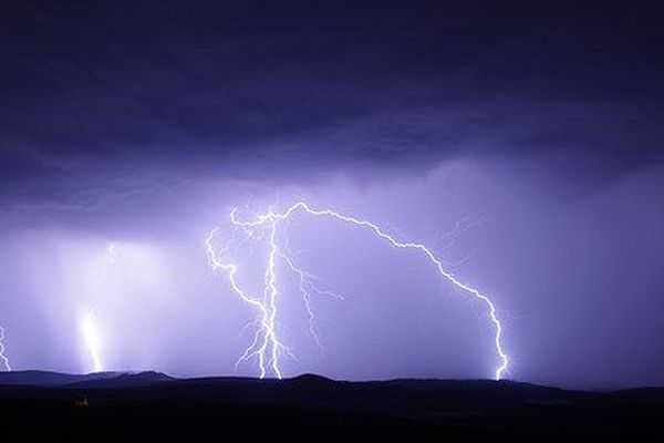Orages et fortes pluies attendus jusqu'à mercredi
