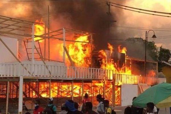 Stands carnaval incendiés Haïti