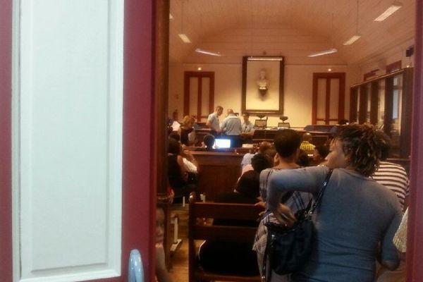 Salle audience tribunal