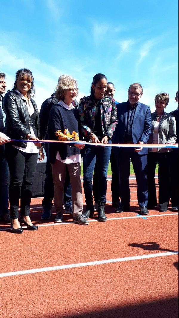 Christine Arron inaugure le stade d'athlétisme qui porte son nom à Sucy-en-Brie