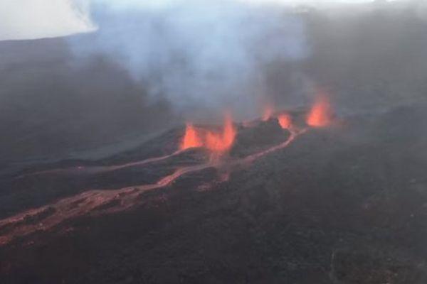 20160526 Volcan I Press