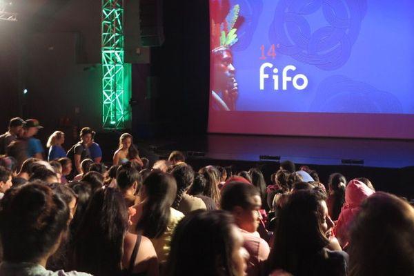 Plusieurs mois durant le FIFO va s'exporter dans les îles