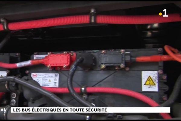 Les dispositifs de sécurité des nouveaux bus électriques présentés aux pompiers