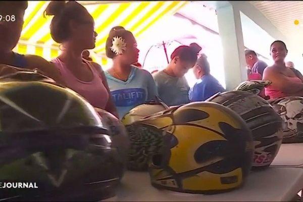 Gros succès pour  « Echange ton casque » à Huahine