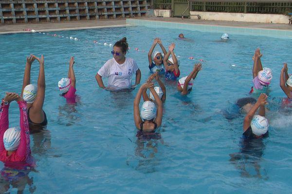 Piscine de Rivière Salée : cours d'initiation à la natation