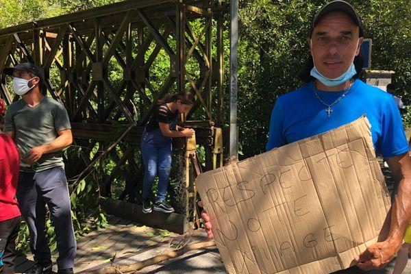 Les riverains de la rivière Langevin ne tolèrent plus les nuisances causées par les visiteurs