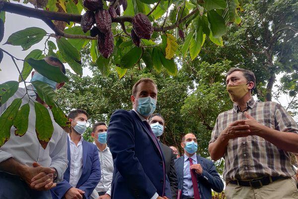 Sébastien Lecornu : Tourisme a la ferme auberge de la Cayenne à Sainte-Rose - 3