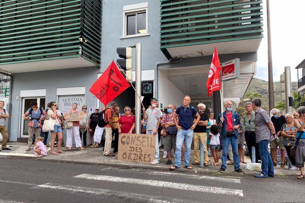 """Manifestation en soutien aux médecins du collectif """"Médecins Covid 974"""""""