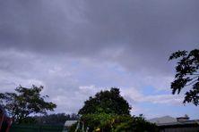 Le temps est nuageux, ce vendredi matin comme la veille, sur Saint-Joseph