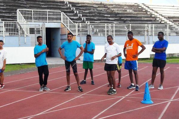 Entraînement des jeunes de l'AMEDAV, sous la houlette d'Hugues Quiatol ancien athlète paralympique