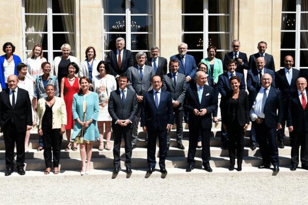 31 juillet 2015 : le gouvernement à l'issue du dernier conseil des ministres avant les vacances.