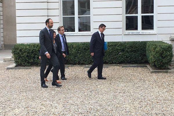 16e comité des signataires : arrivée du 1er ministre -hôtel Cassini