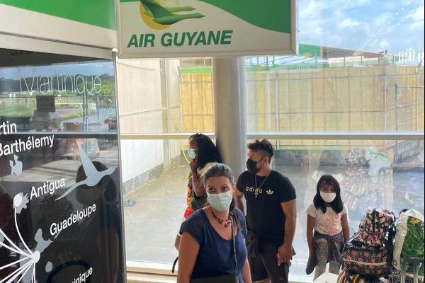 Mouvement d'humeur des passagers à l'aéroport