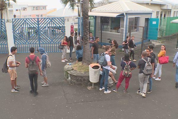Bac 2019: Sortie du lycée Georges Brassens