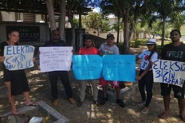 Manistestation contre les résultats des législatives à Maurice