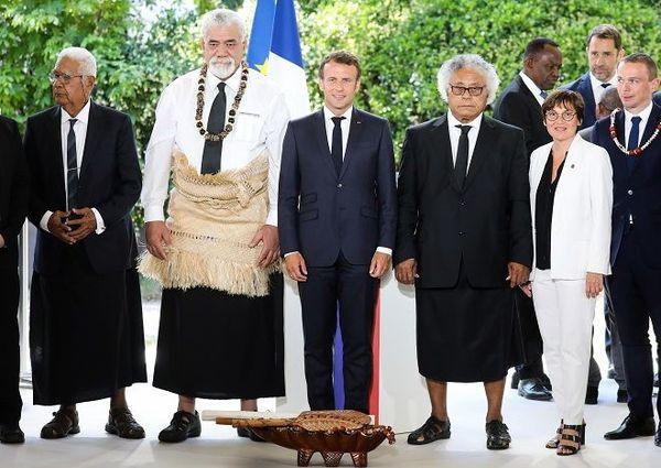 Macron et les rois de Wallis et Futuna