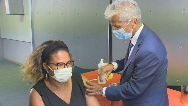 Eustase Janky vaccine à l'UA