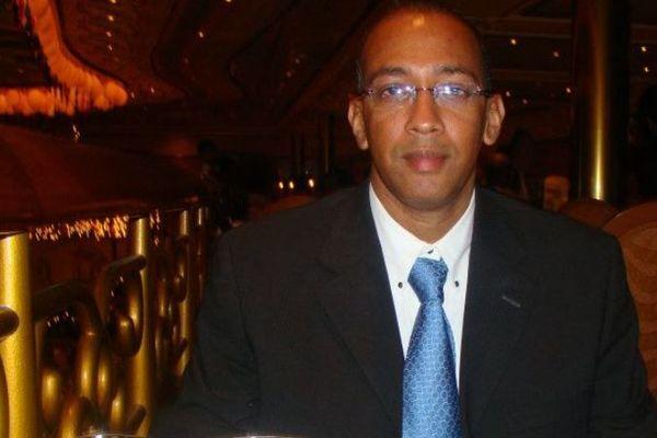 Dr. Tony Romuald