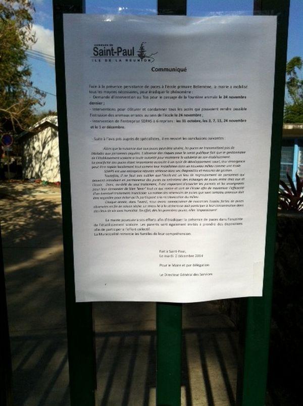 Teste devant l'école de Bellemène