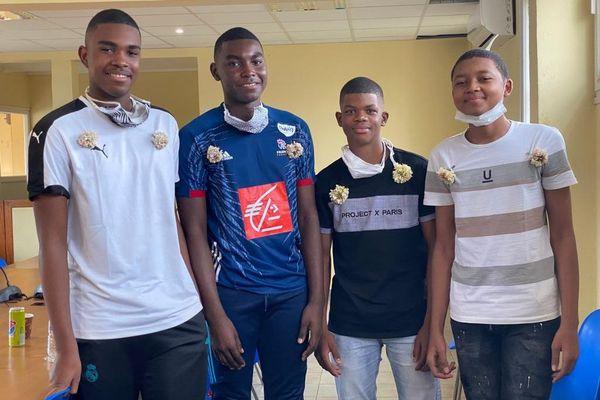 4 handballeurs partent en centre de formation